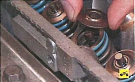 Замена колец и маслосъемных колпачков лансер 9